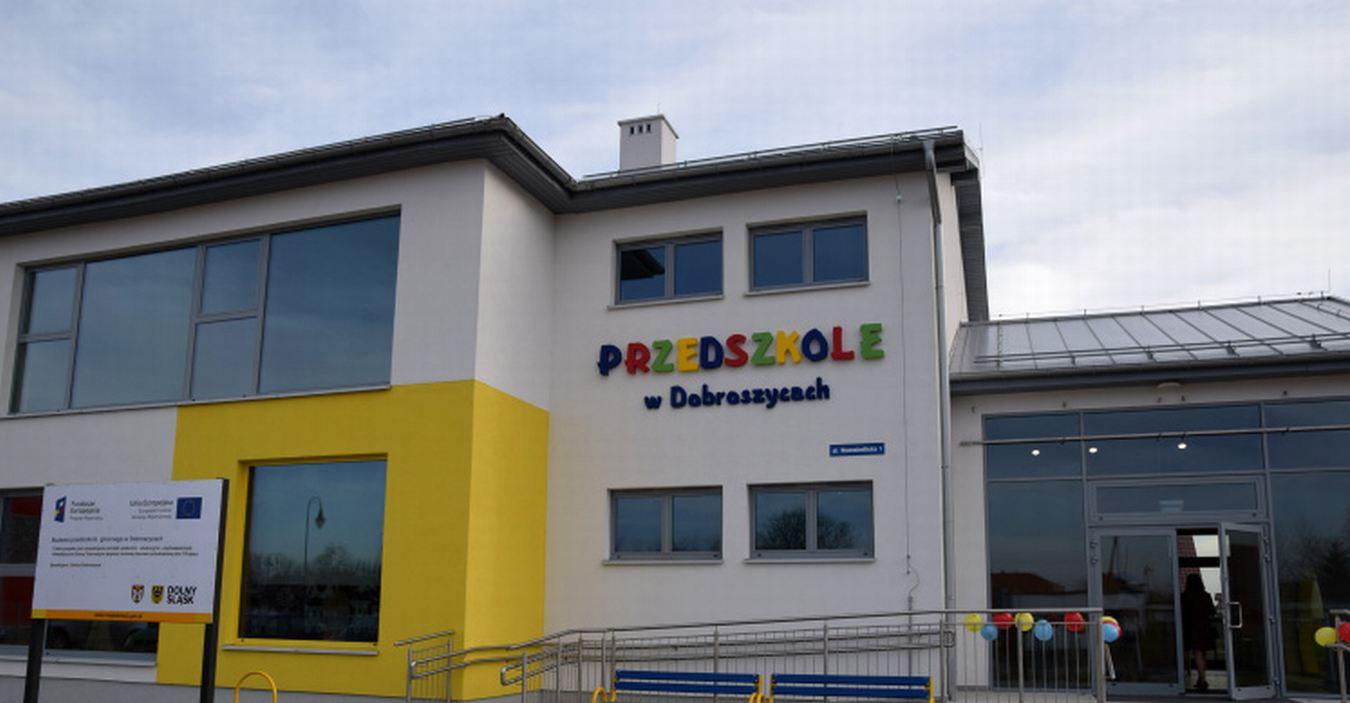 zdjęcie budynku przedzskola
